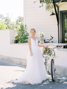 Postponing Your Wedding: Five Tips from the Experts